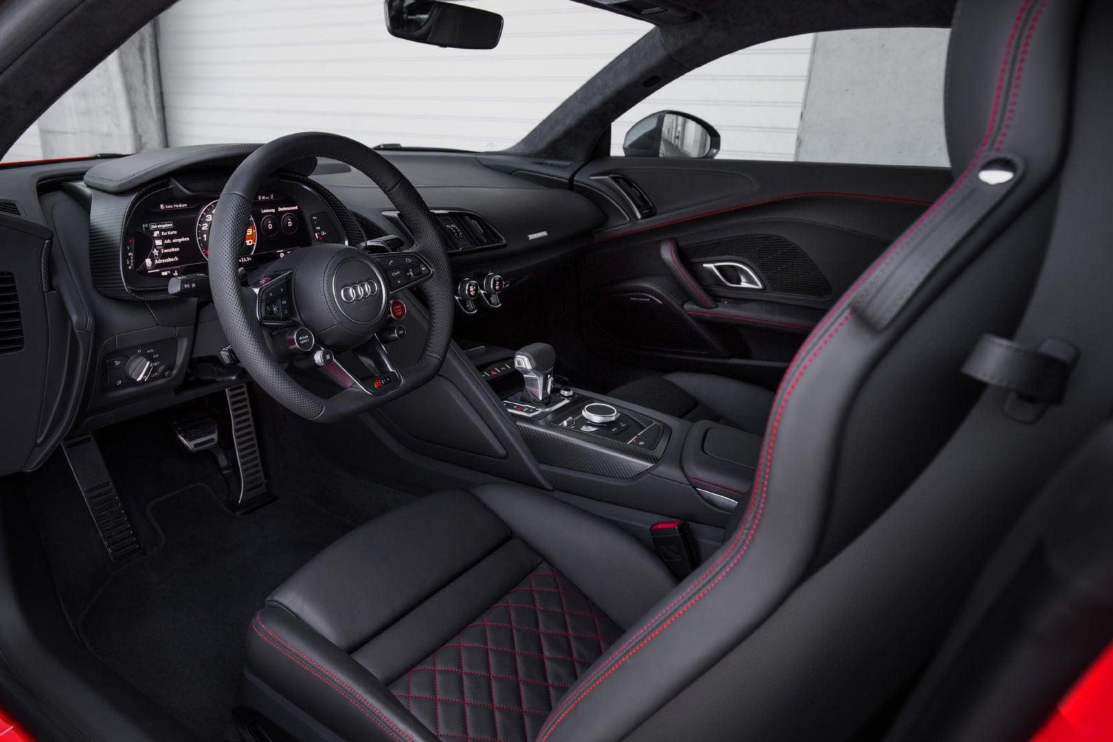 2016 R8 cockpit