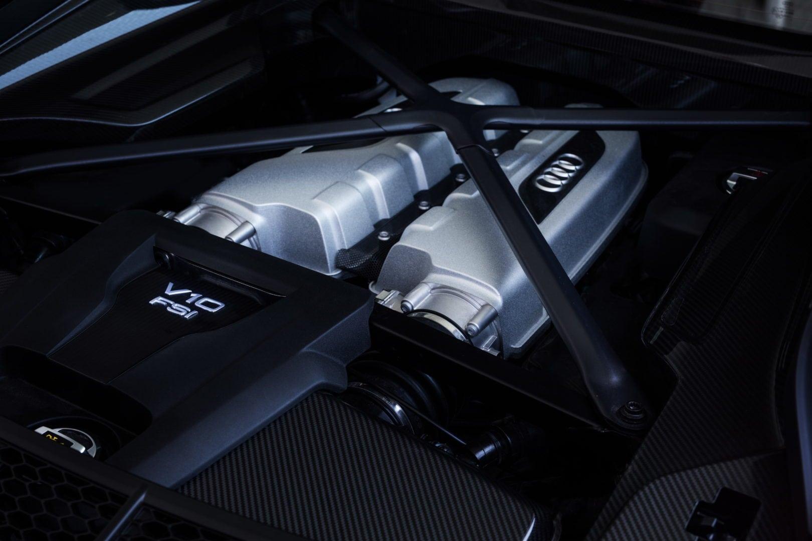 2016 R8 engine