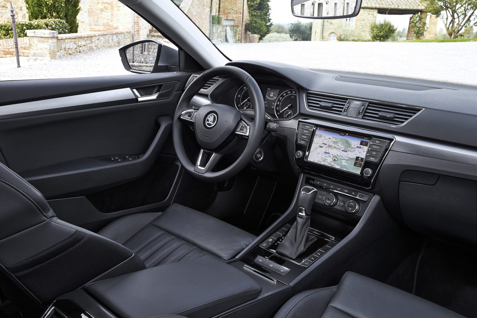 2016 superb cockpit