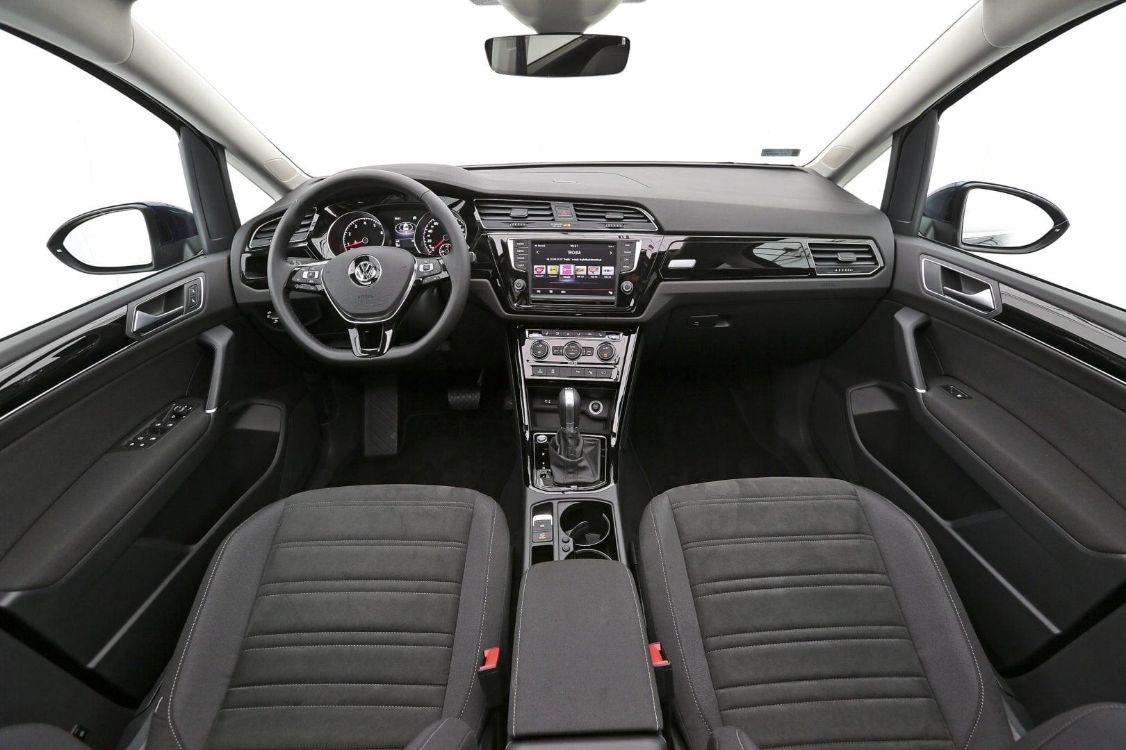 2016 touran cockpit